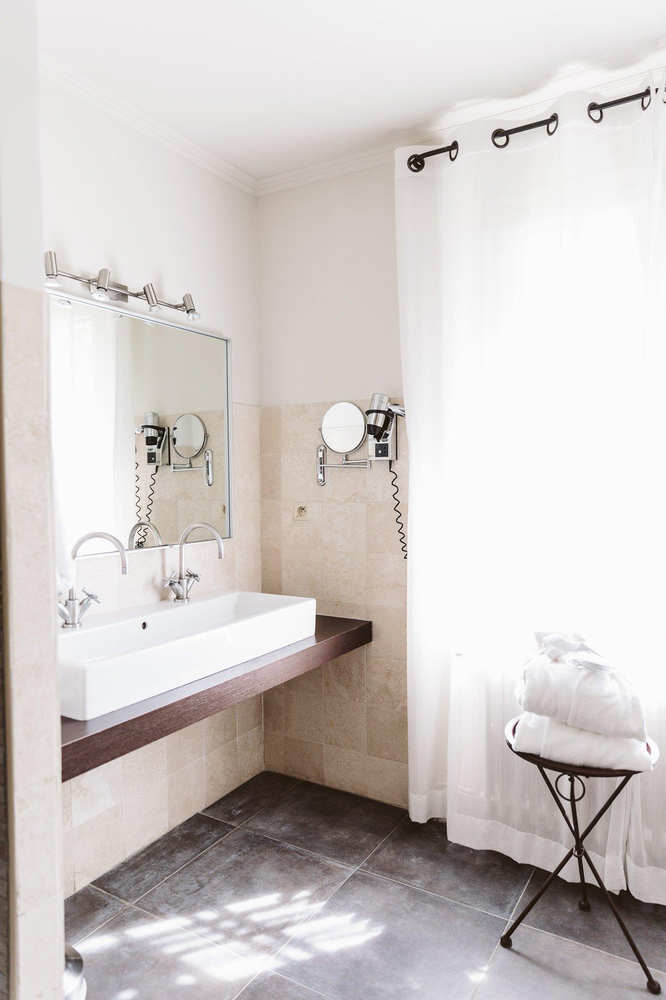 Bathroom at Baumanière Hotel