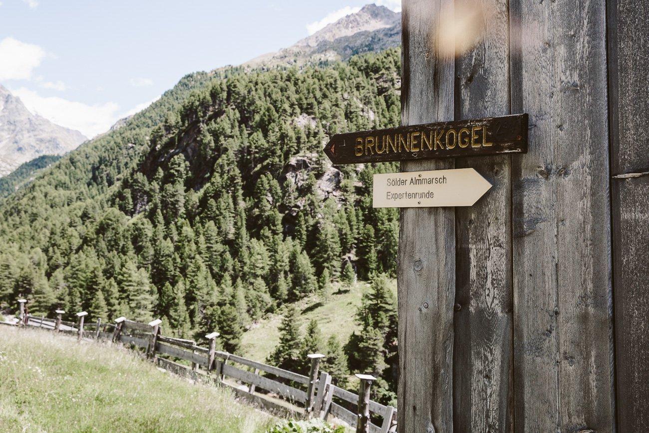 Sign to Brunnenkogelhaus at Windachalm Oetztal Tyrol