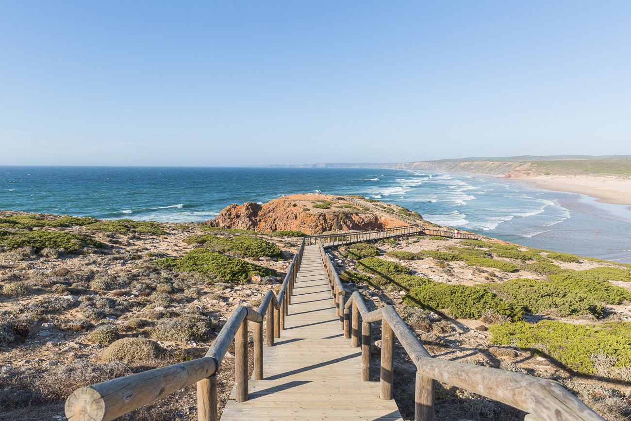 The path to Praia da Bordeira