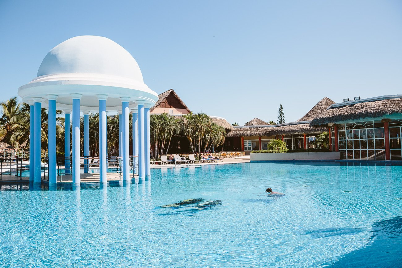 Scuba dive course in the pool of Iberostar Varadero Cuba
