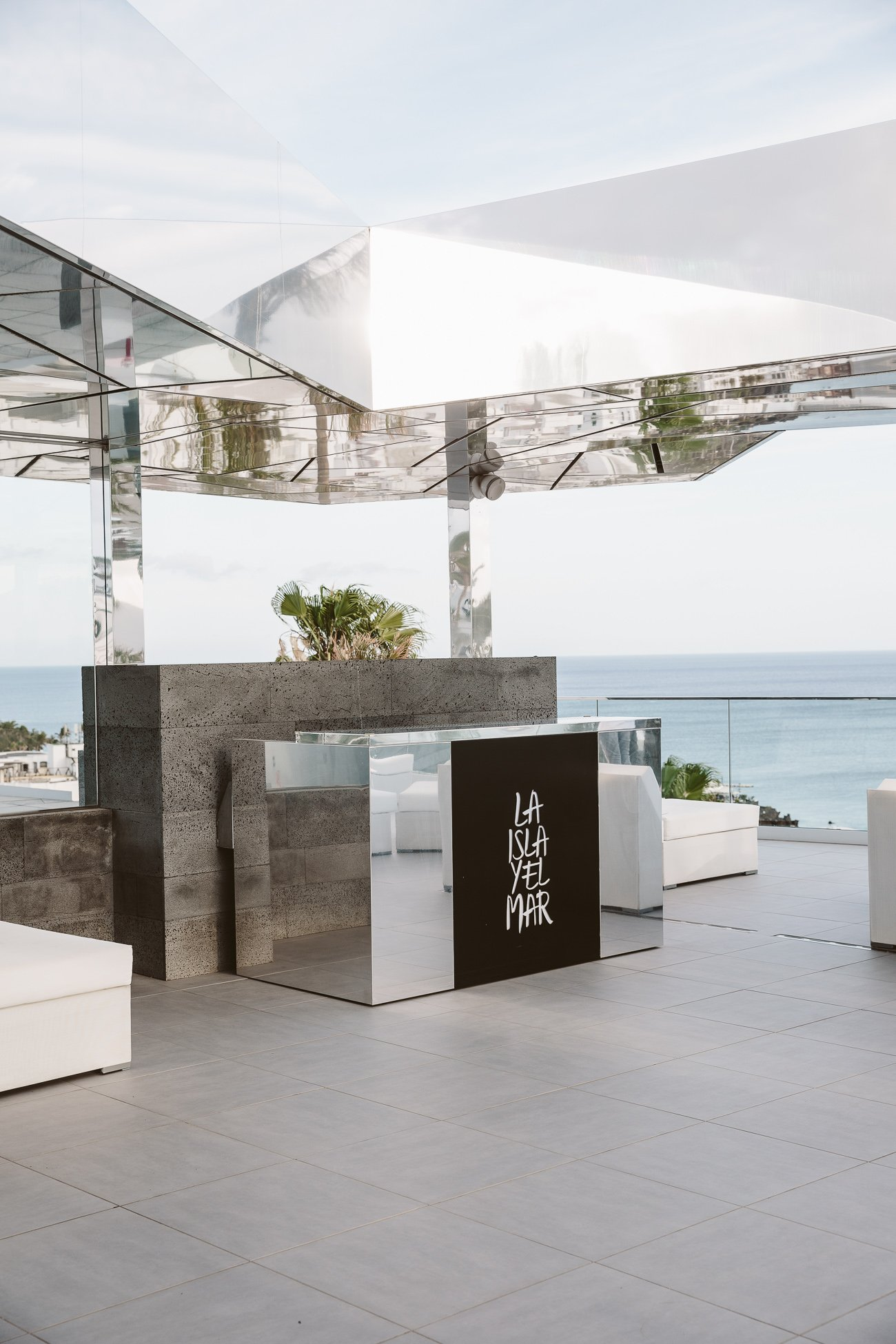Pool bar at La Isla Y El Mar Boutique Hotel Lanzarote