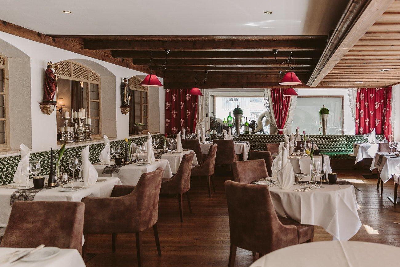 Breakfast room at Hotel Schwarzer Adler St. Anton am Arlberg