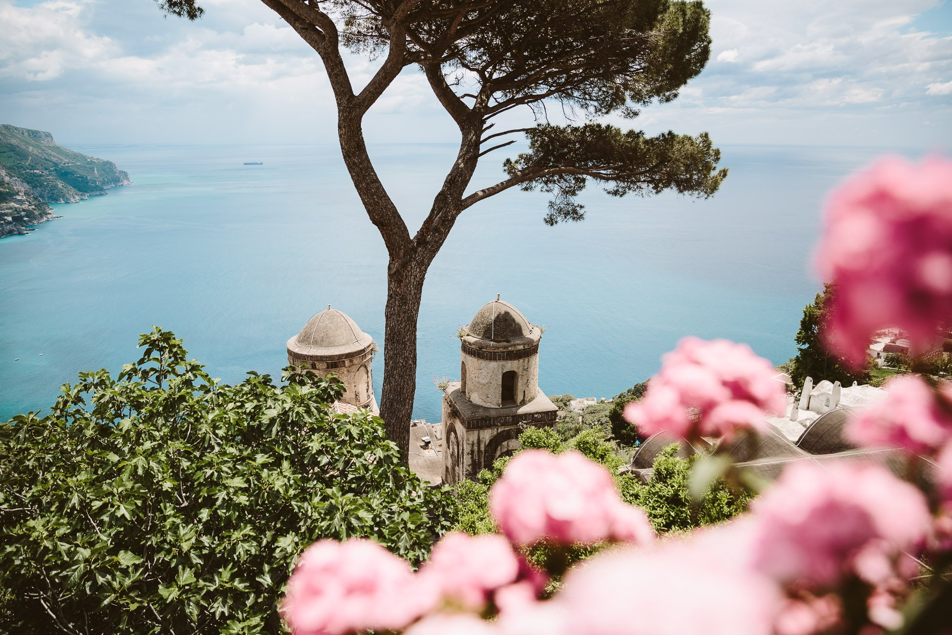 The famous lookout spot from Villa Rufolo in Ravello