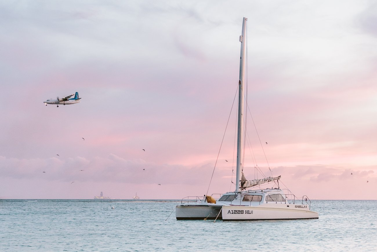 Plane landing at Queen Beatrix Airport Aruba