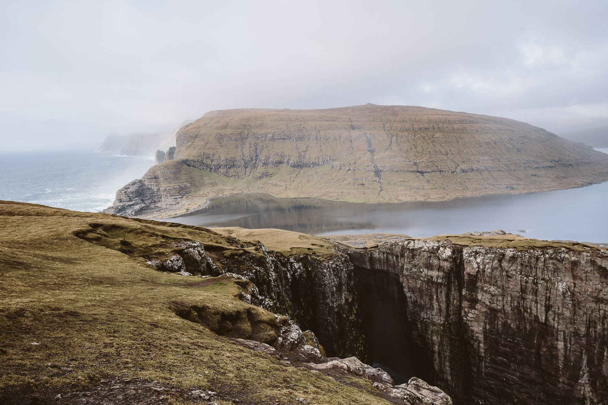 Faroe Islands Hike: Where lake and ocean meet Sørvágsvatn & Trælanípa
