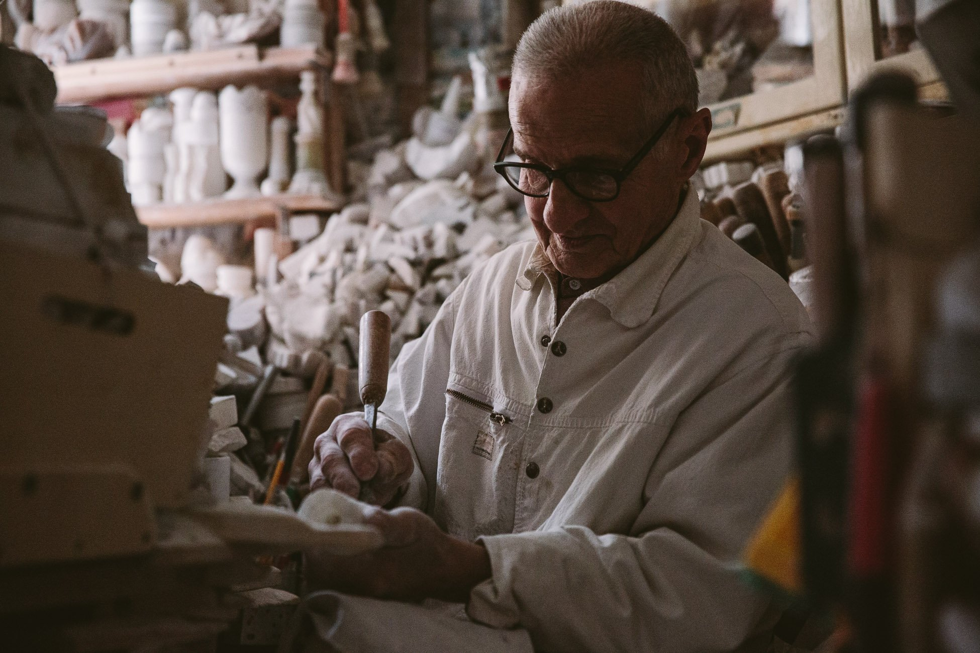 Alabaster sculptor in Volterra