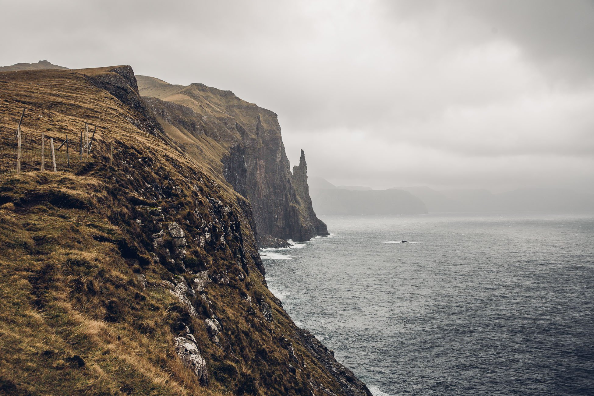 Hike to Trøllkonufingur Faroe Islands