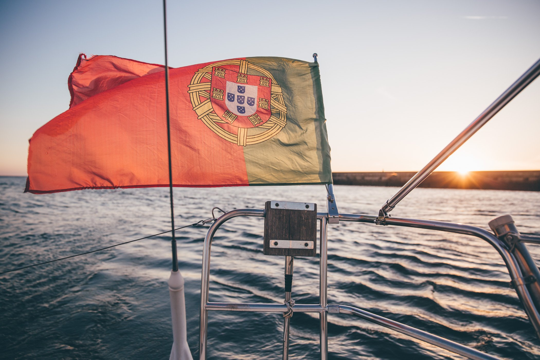Sunset sailing cruise at Marina Alfurada Porto