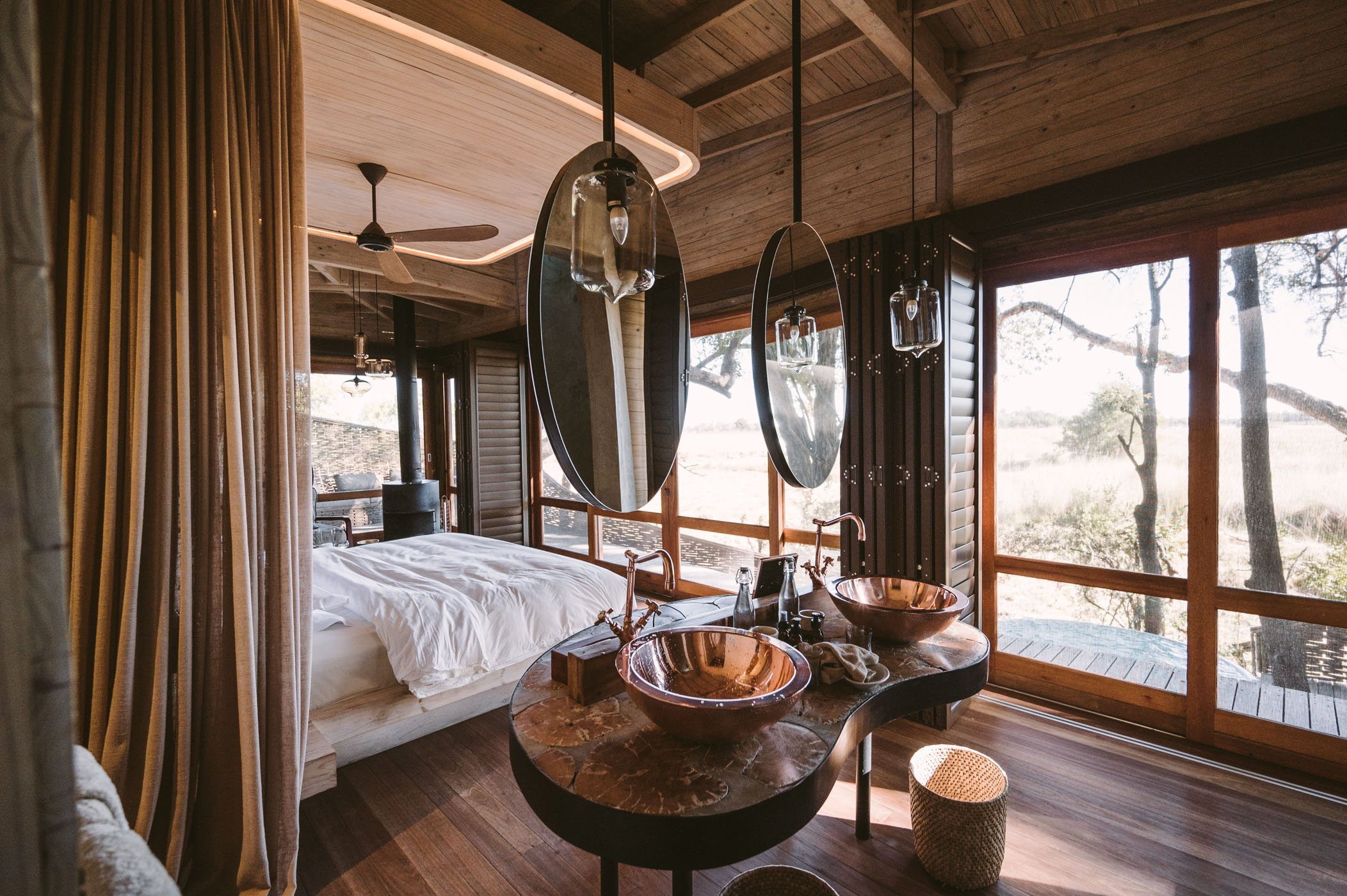 andBeyond Sandibe Okavango Delta Lodge bedroom