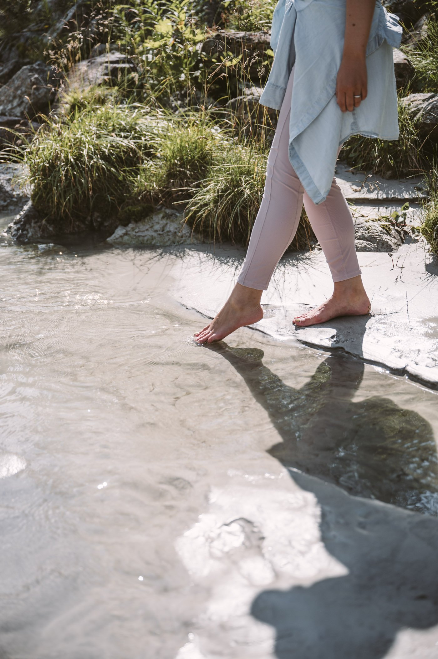 Kneippism in the glacial river in East Tyrol - part of mindful mountain experiences