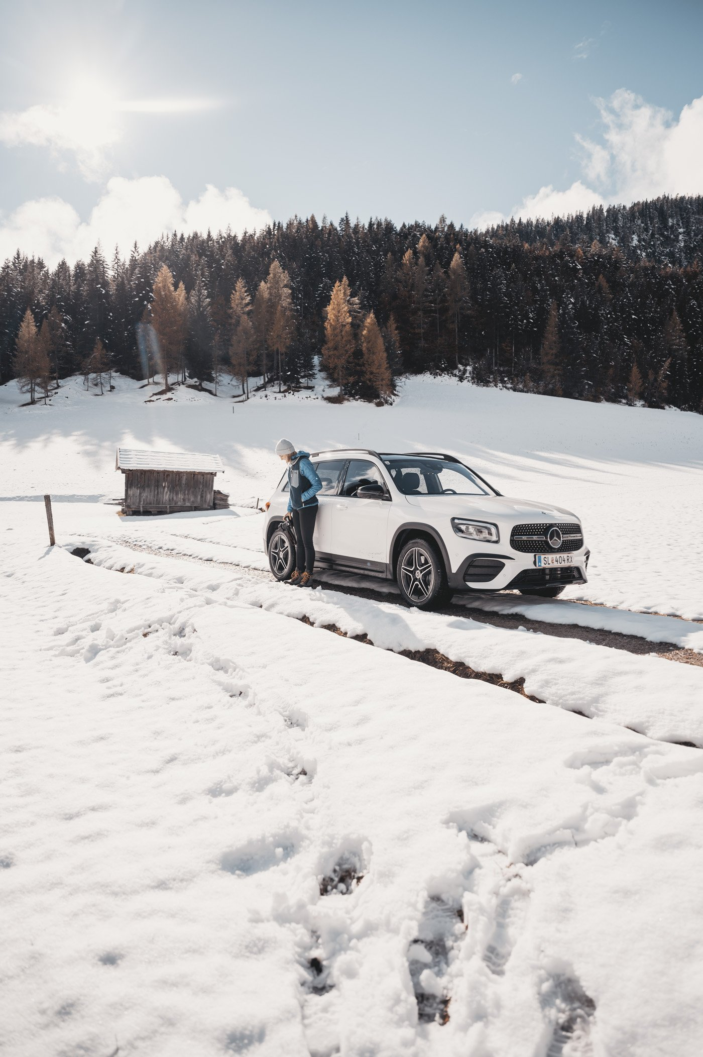 Female Travel Bloggers road trip with Mercedes-Benz GLB 250 at Katzenloch Seefeld