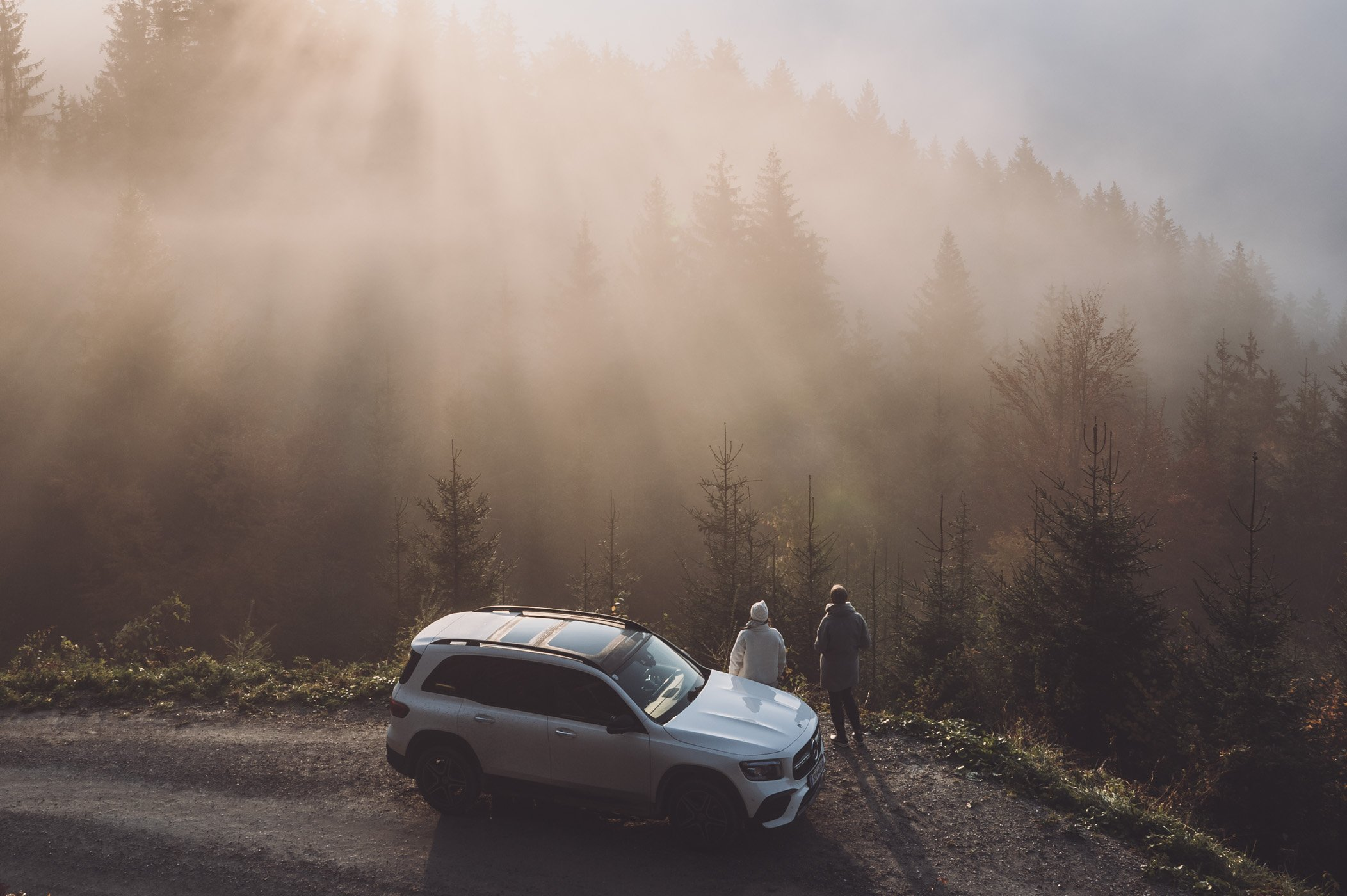 Female Travel Bloggers road trip through Austria with ladyvenom & Marika Unterladstätter from Mountain Hideaways and the new Mercedes GLB 250