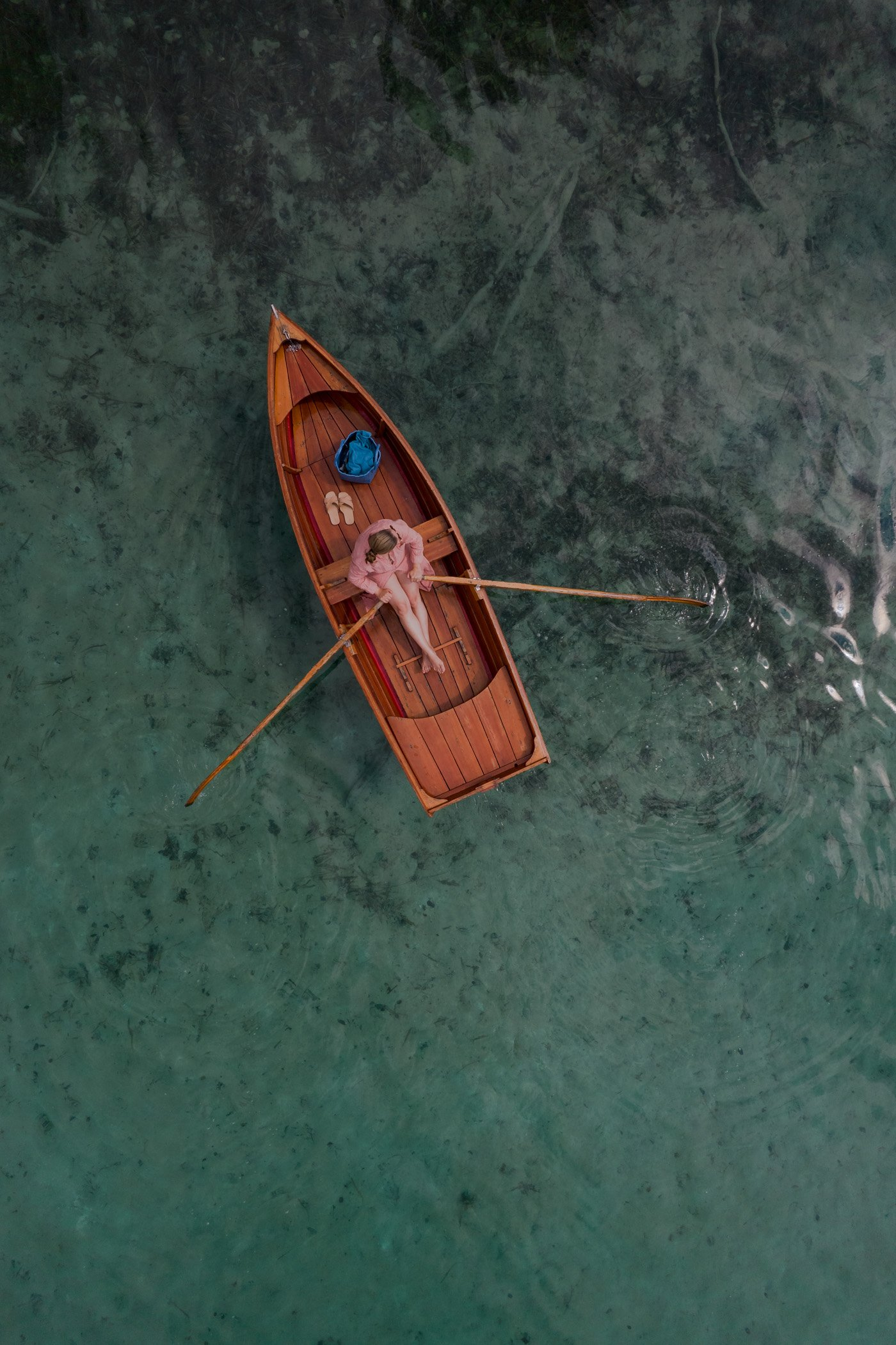 Rent a traditional rowing boat from Strandhotel Weissensee